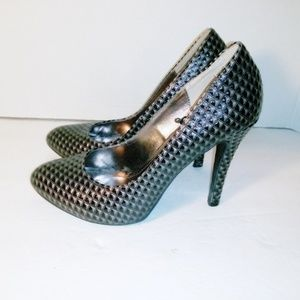 Steve Madden Textured Patent Leather Pump Size 7.5